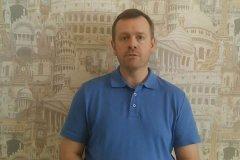 Андрій Каминін сам записав відеовопрос до знавців.  Фото: стоп-кадр